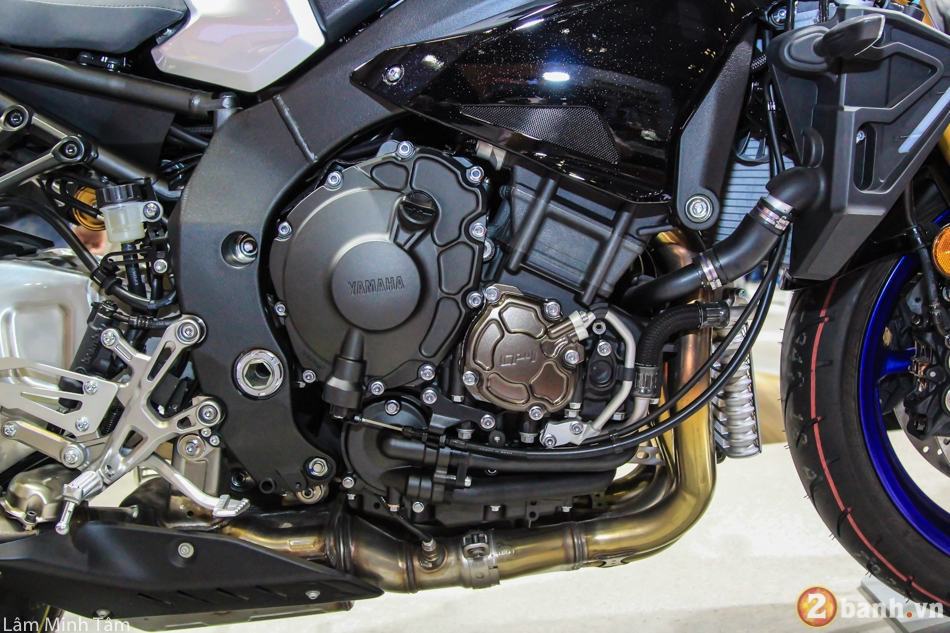 Can canh chi tiet Yamaha MT10 SP 2017 tai VMCS 2017 - 13