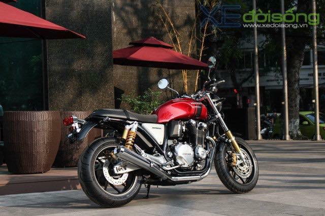 Hondcb1100 abs 2017 rs Classic revolution cach tan den sang trongHQCNnew100 - 9