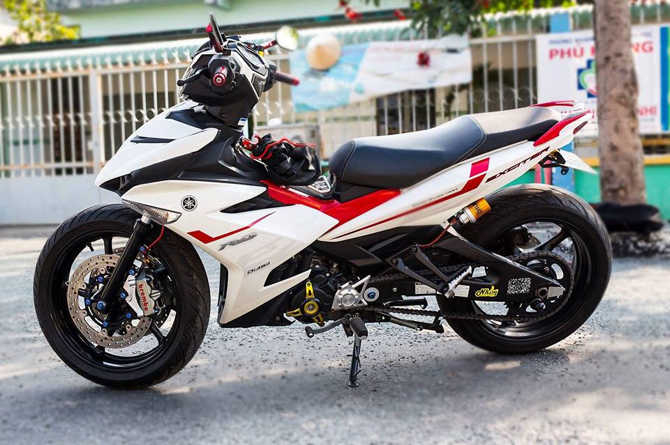 Yamaha Exciter 150 do KHUNG voi dan chan day co bap