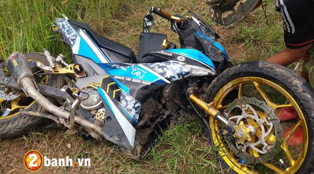 Exciter 150 gay co do duong khi do phuoc Upside downloi canh tinh cho biker Viet - 2