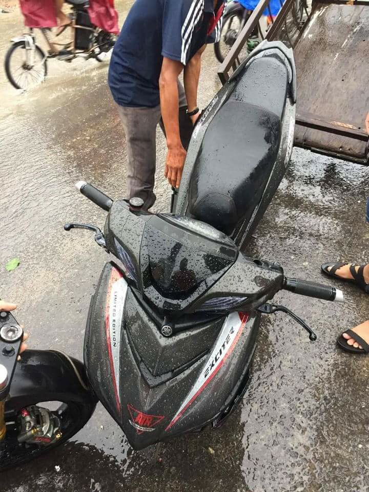 Exciter 150 gay co do duong khi do phuoc Upside downloi canh tinh cho biker Viet - 4