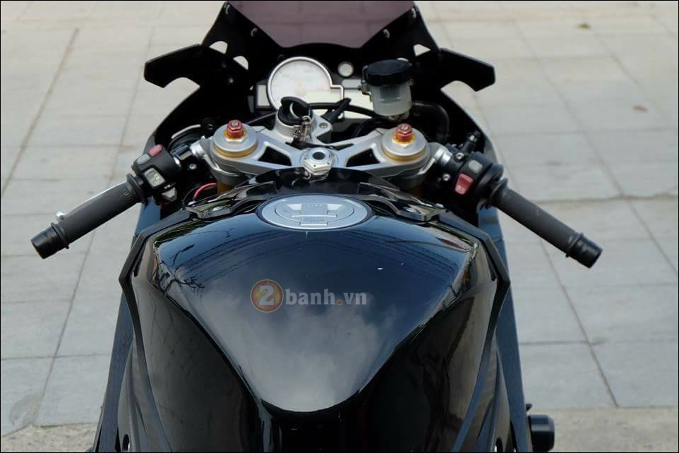 BMW S1000RR cang det cung phien ban Full black Limited - 4