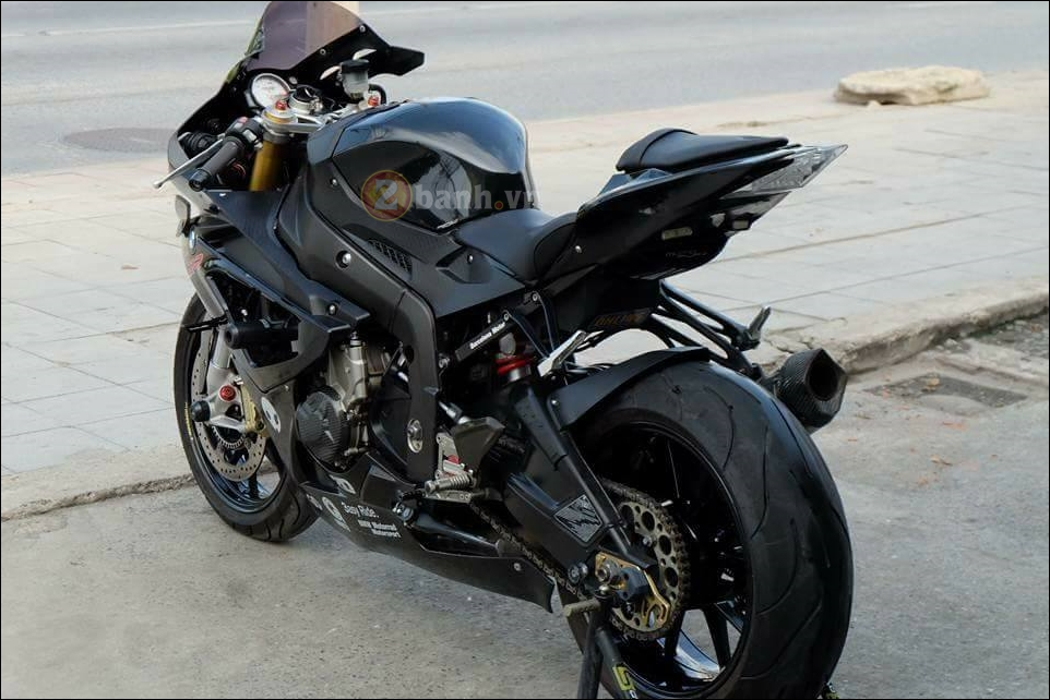 BMW S1000RR cang det cung phien ban Full black Limited - 9