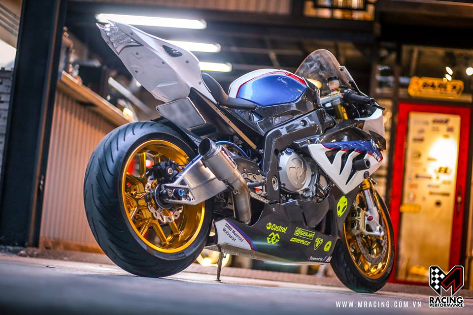 Ca map BMW S1000RR thoat y luc luong duoi gam Garage - 4