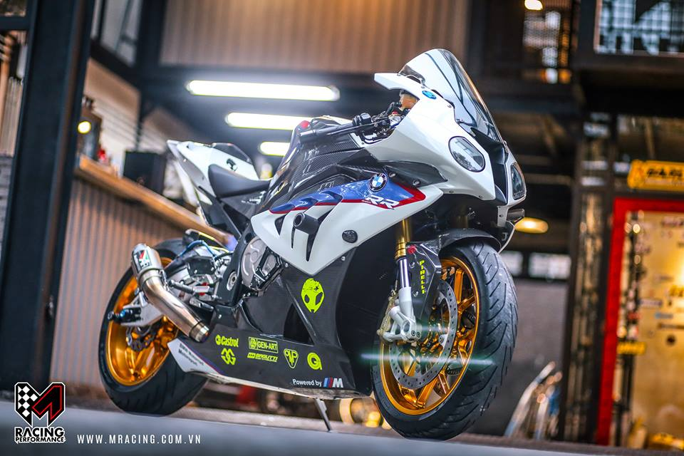 Ca map BMW S1000RR thoat y luc luong duoi gam Garage - 5