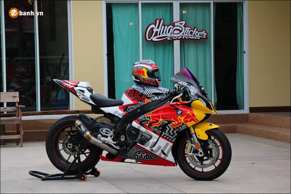 BMW S1000RR sieu pham mo to do phong thai Redbull - 3