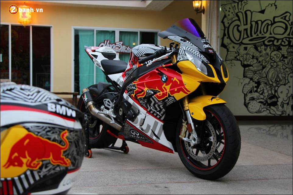 BMW S1000RR sieu pham mo to do phong thai Redbull - 7
