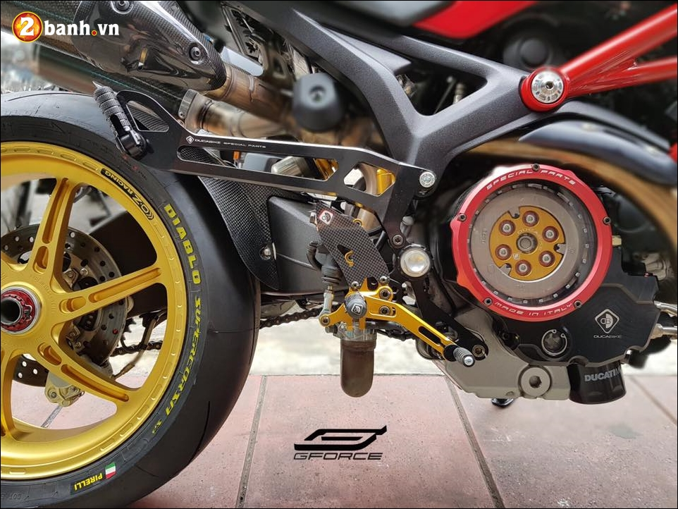 Ducati Monster 795 do noi bat cung mam OZ Racing - 4