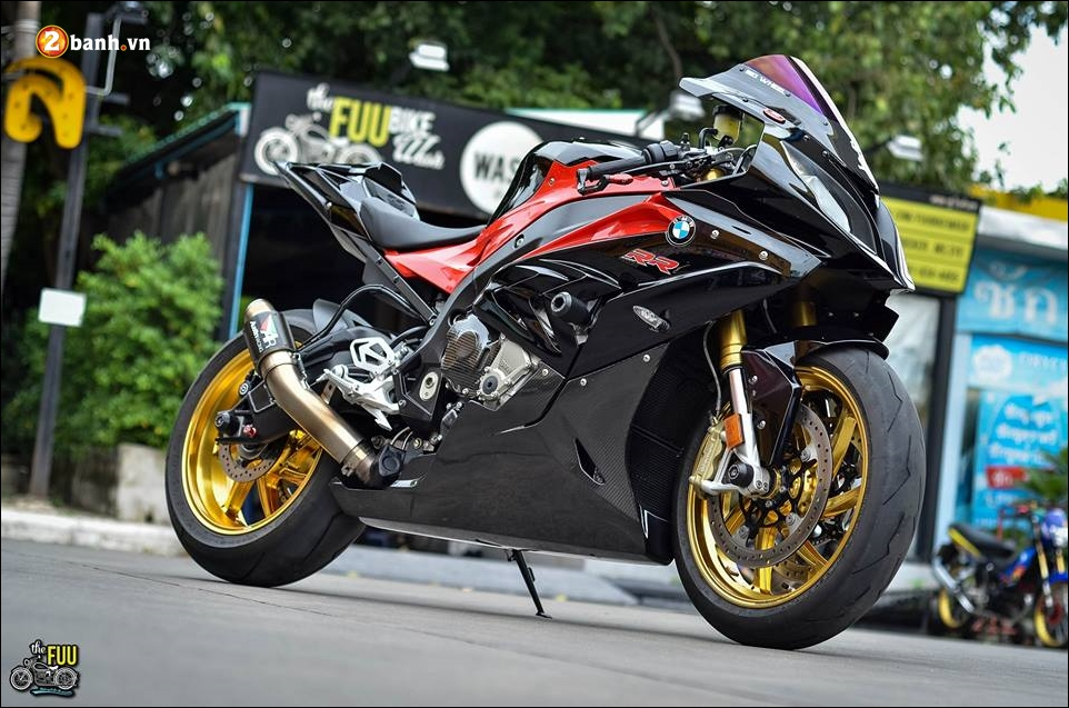BMW S1000RR do Ca map ngo ngao tren dat nuoc Chua Vang - 7