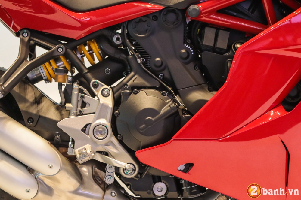 Can canh Ducati SuperSport mau xe mo to the thao thanh thi vo cung an tuong - 8