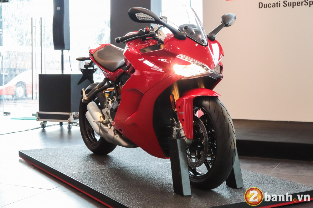 Can canh Ducati SuperSport mau xe mo to the thao thanh thi vo cung an tuong - 22