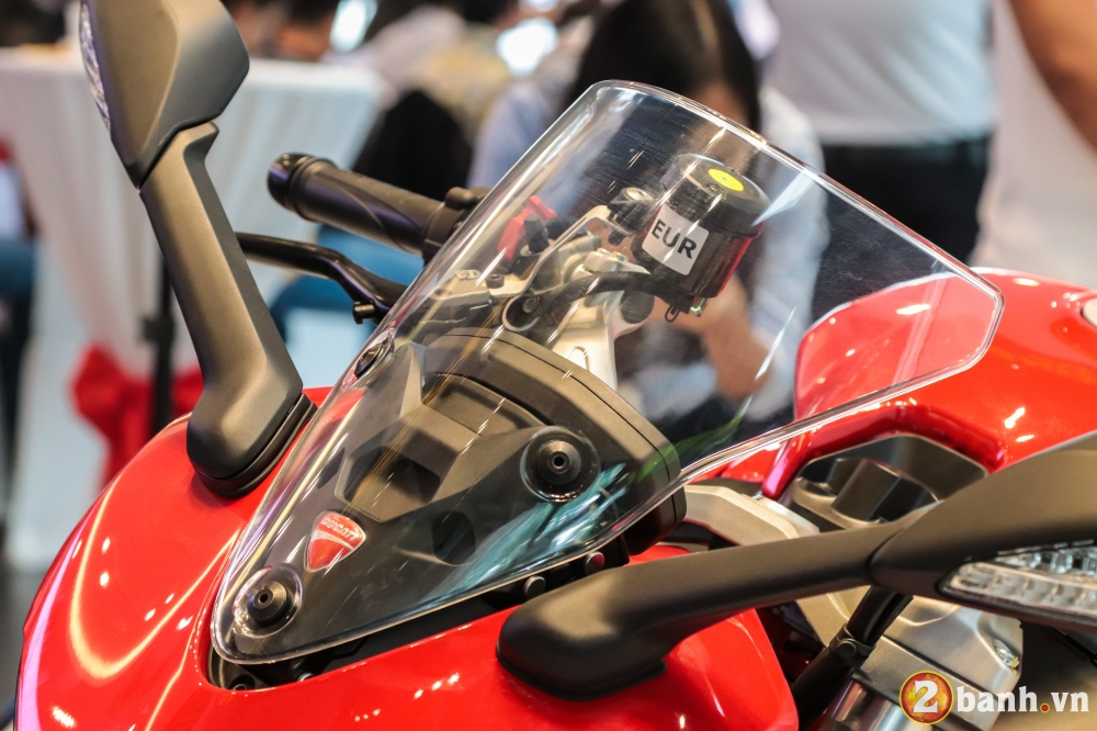 Can canh Ducati SuperSport mau xe mo to the thao thanh thi vo cung an tuong - 24