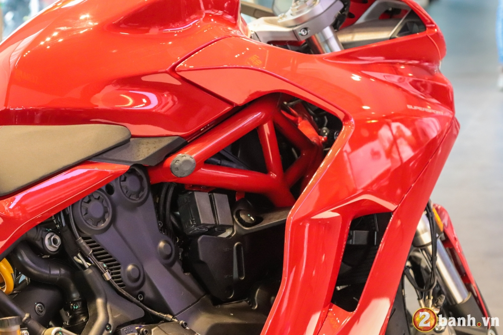 Can canh Ducati SuperSport mau xe mo to the thao thanh thi vo cung an tuong - 26