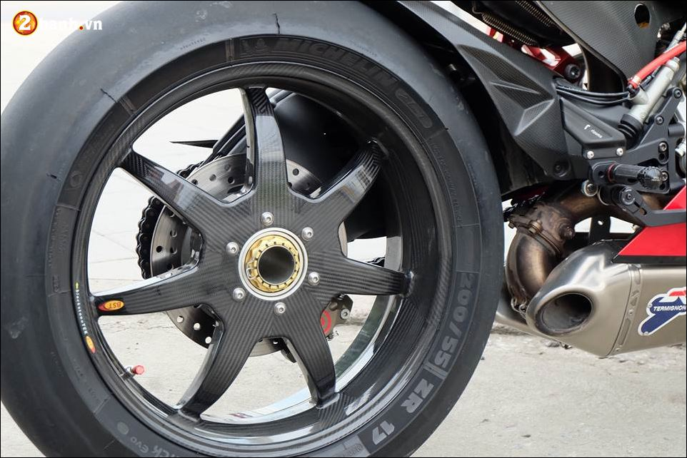 Ducati 1199 Panigale Superbike cong nghe mang danh hieu Born to Race - 6