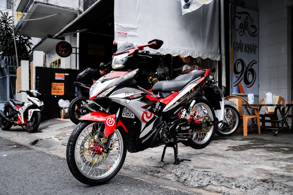 Exciter 150 do kieng long lay voi nong sung day uy luc - 4
