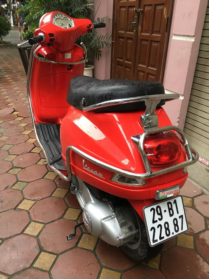 Vespa LX 125ie doi moi 2012 gia 31tr bs 29B 22887 mau Do rat moi giay to cchu
