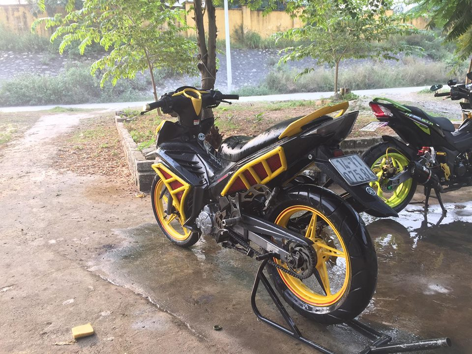 Exciter 135 do an tuong voi phong cach quai vat Ducati - 10