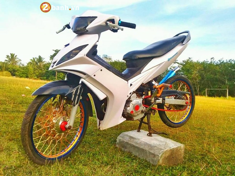 Exciter 135 do phong cach cop day manh me cua Biker Malaysia - 5
