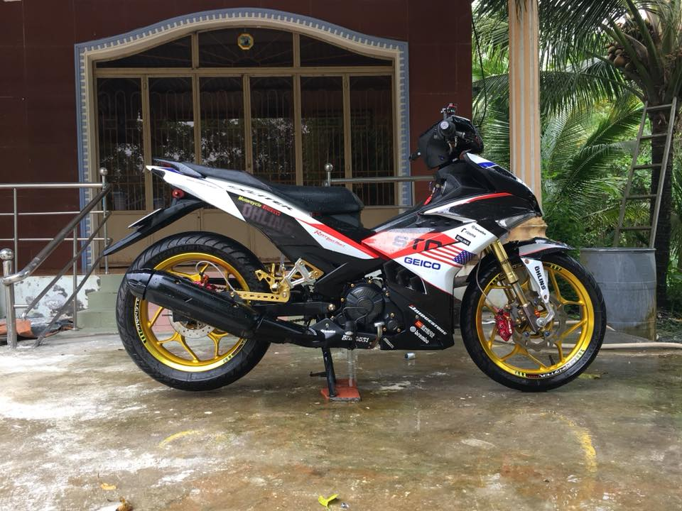 Exciter 150 do an tuong voi dan chan Upside down