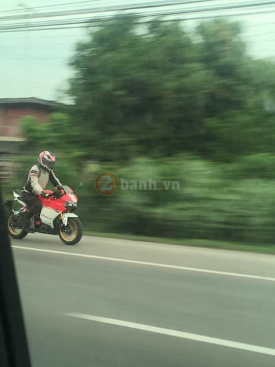 Lo anh Panigale 150 tren duong chay thu - 2