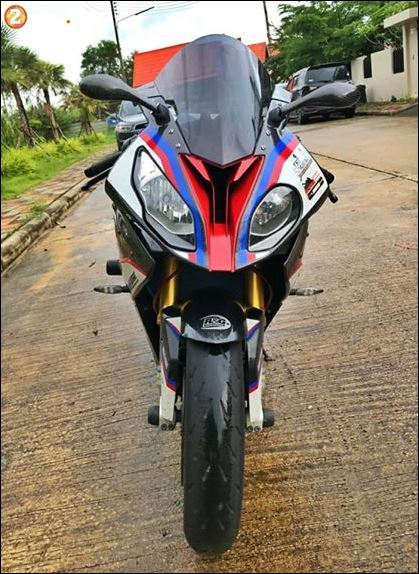 BMW S1000RR ban do toi tan tu thuong hieu Revtech Carbon UK - 3