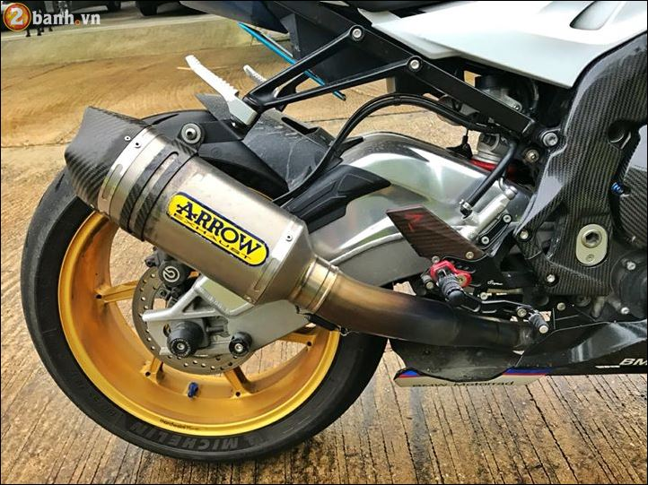 BMW S1000RR ban do toi tan tu thuong hieu Revtech Carbon UK - 7