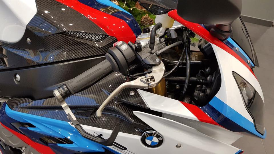 Can canh BMW Motorrad S1000RR 2018 Magny Cours Edition - 4