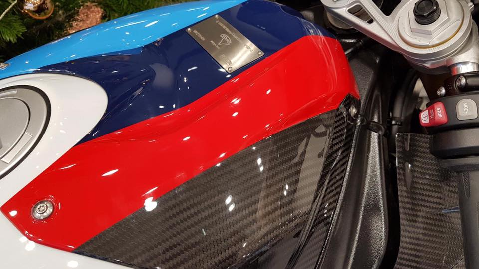 Can canh BMW Motorrad S1000RR 2018 Magny Cours Edition - 6