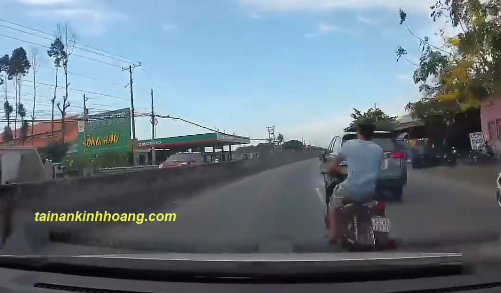 Thanh nien chay Wave the hien tinh yeu voi toc do nhan cai ket Dang - 2