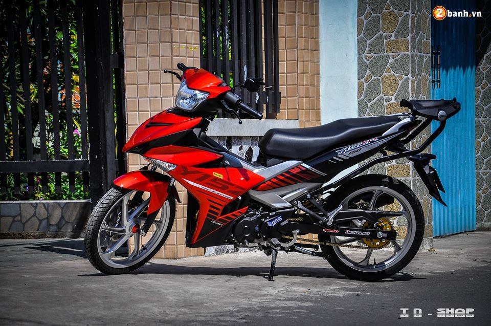 Yamaha Exciter 150 do phong cach Y15ZR voi noi cong toc bien - 3
