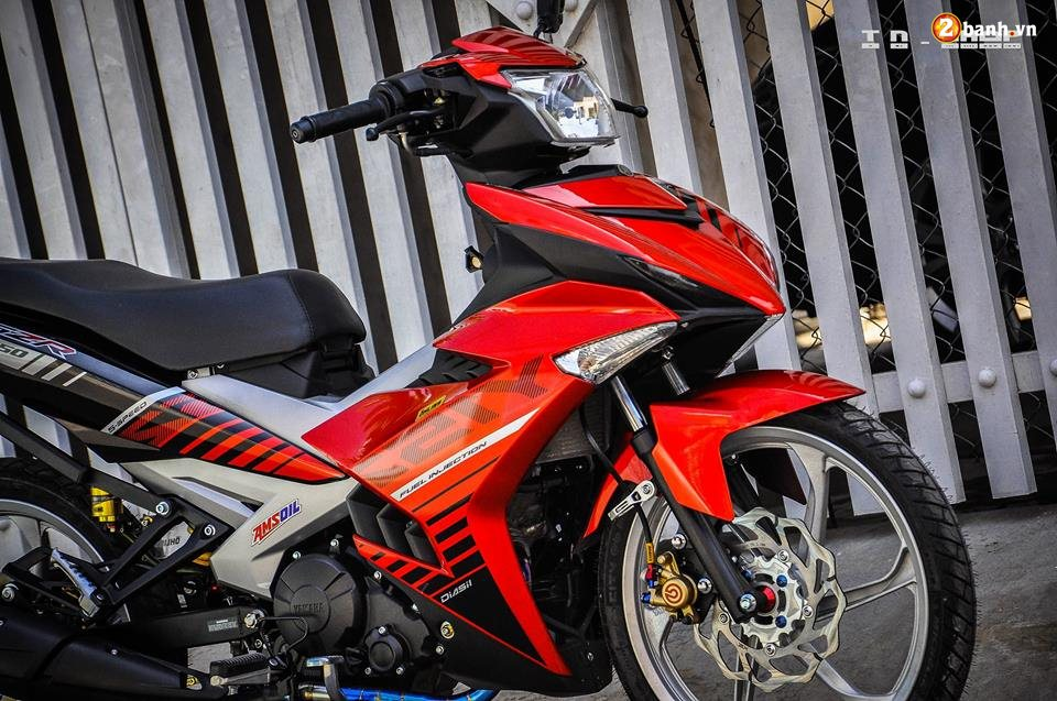 Yamaha Exciter 150 do phong cach Y15ZR voi noi cong toc bien - 12