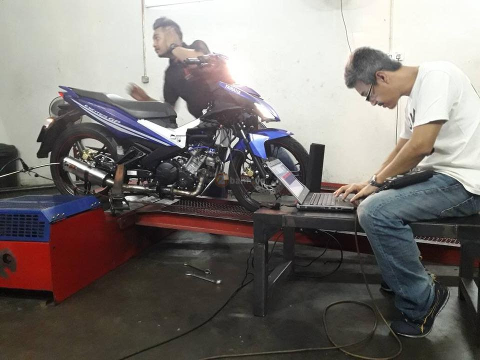 Can canh Exciter 150 do Turbo ham ho cua biker nuoc ban - 3