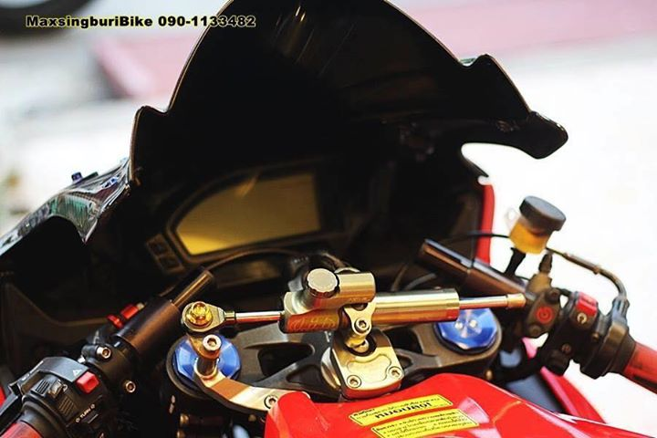 Honda CBR1000RR chan dung cuc chat do option Carbon fiber - 7