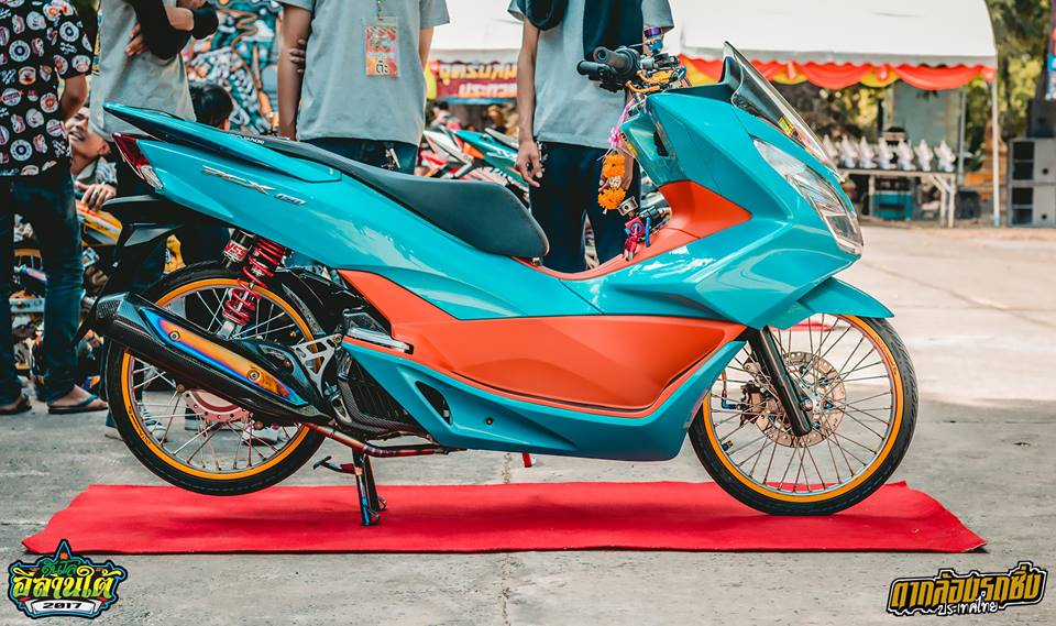 La mat voi PCX 150 do gac day cong nghe voi option do choi hien dai - 3