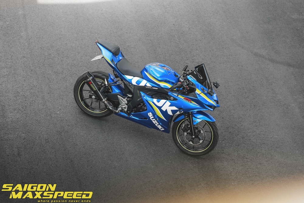 Suzuki GSX R150 do gay an tuong nguoi xem voi option do choi dang cap - 20