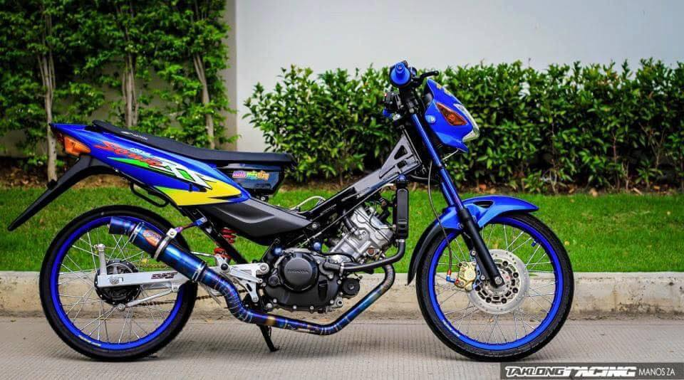 Sonic 125 do mang ve dep chat lu cua biker Thailand - 3
