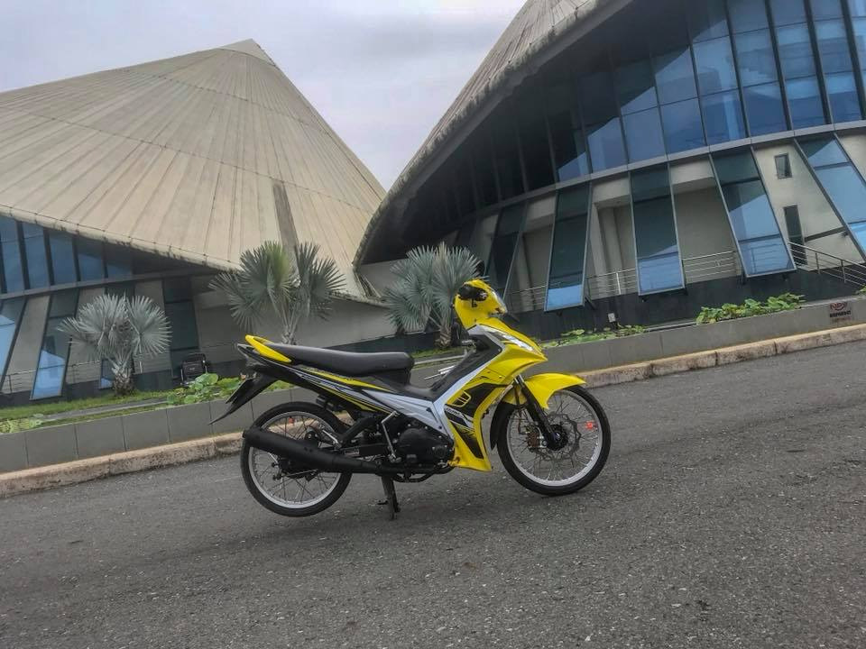 Exciter 135 do sac so voi bo canh vang ong anh - 7