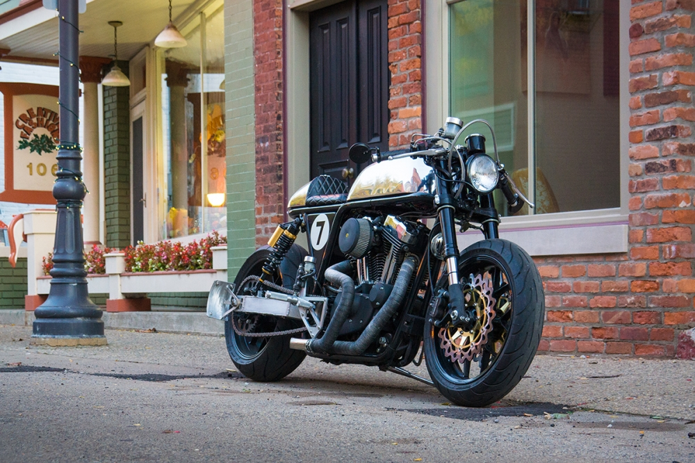 HARLEY SPORTSTER do an tuong voi phong cach CAFE RACER - 3