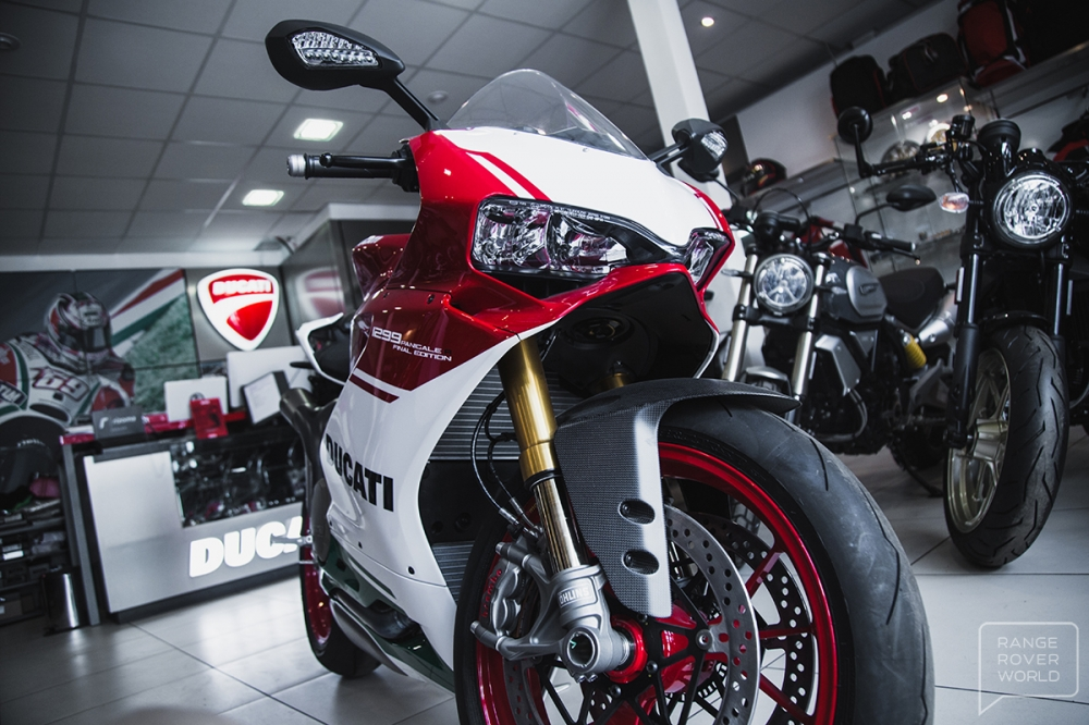 Can canh DUCATI 1299 PANIGALE R FINAL EDITION gia 40000 USD - 4