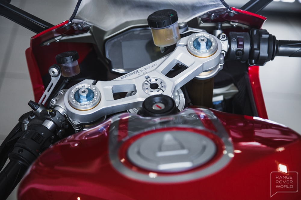 Can canh DUCATI 1299 PANIGALE R FINAL EDITION gia 40000 USD - 6