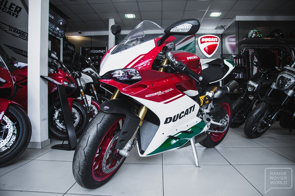 Can canh DUCATI 1299 PANIGALE R FINAL EDITION gia 40000 USD - 12