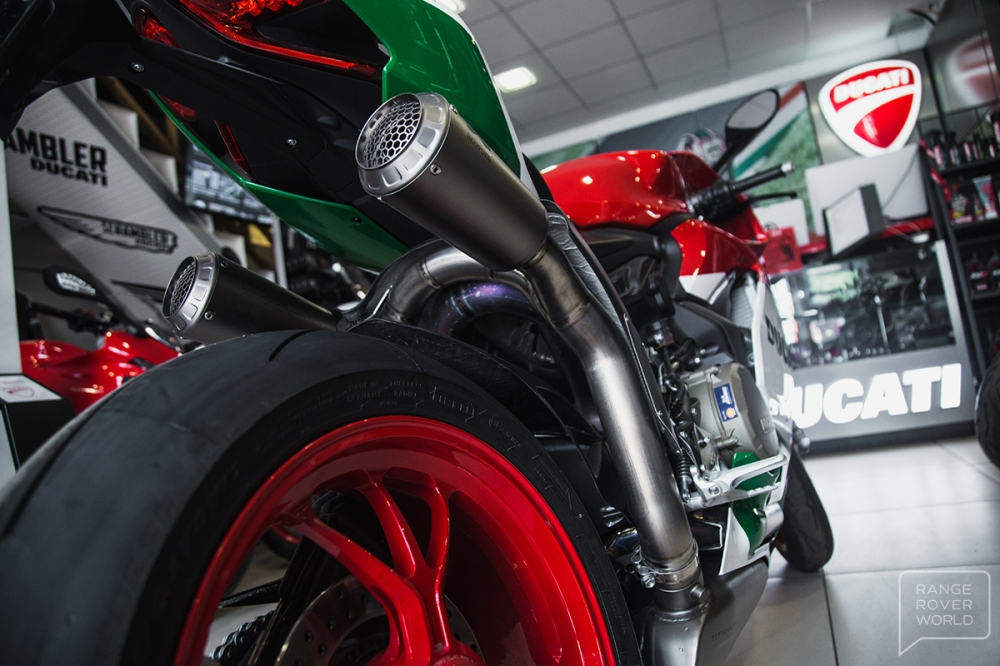 Can canh DUCATI 1299 PANIGALE R FINAL EDITION gia 40000 USD - 18