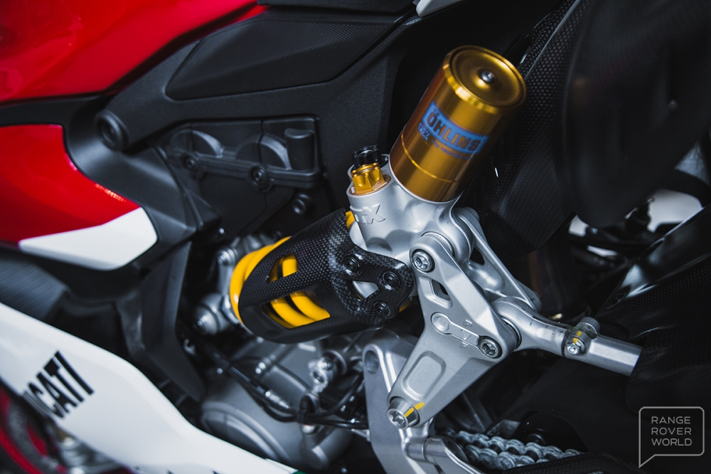Can canh DUCATI 1299 PANIGALE R FINAL EDITION gia 40000 USD - 23