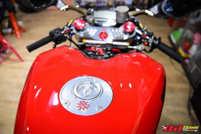 Ducati Monster 1100S do cuc chat voi dan chan khung - 7