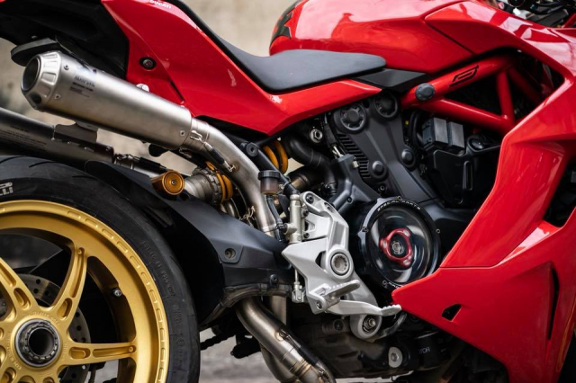 Ducati SuperSport 939S do hao nhoang voi phong cach Superbike - 7