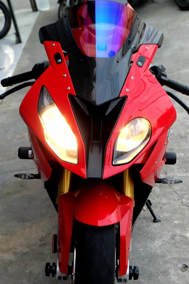 BMW S1000RR Quy du trong bo canh do cuc chat - 3