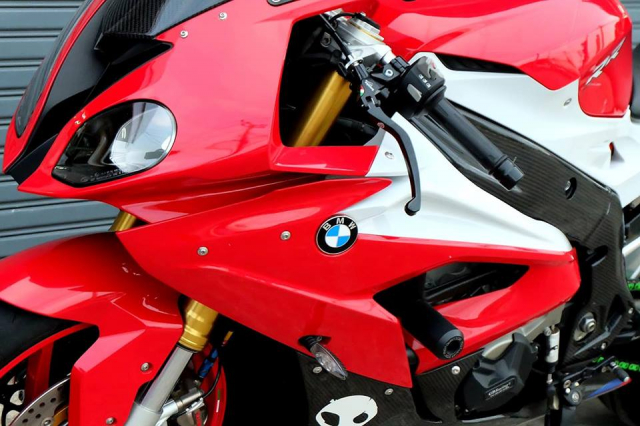 BMW S1000RR Quy du trong bo canh do cuc chat - 5