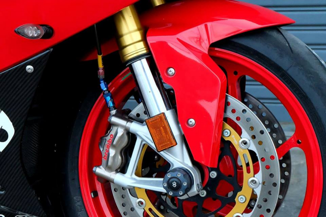 BMW S1000RR Quy du trong bo canh do cuc chat - 6