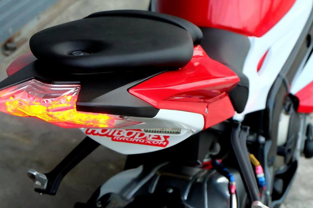 BMW S1000RR Quy du trong bo canh do cuc chat - 10