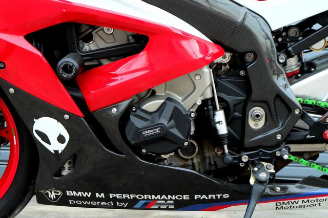 BMW S1000RR Quy du trong bo canh do cuc chat - 14
